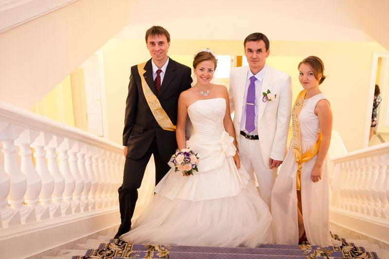 Свидетель и свидетельница на свадьбе