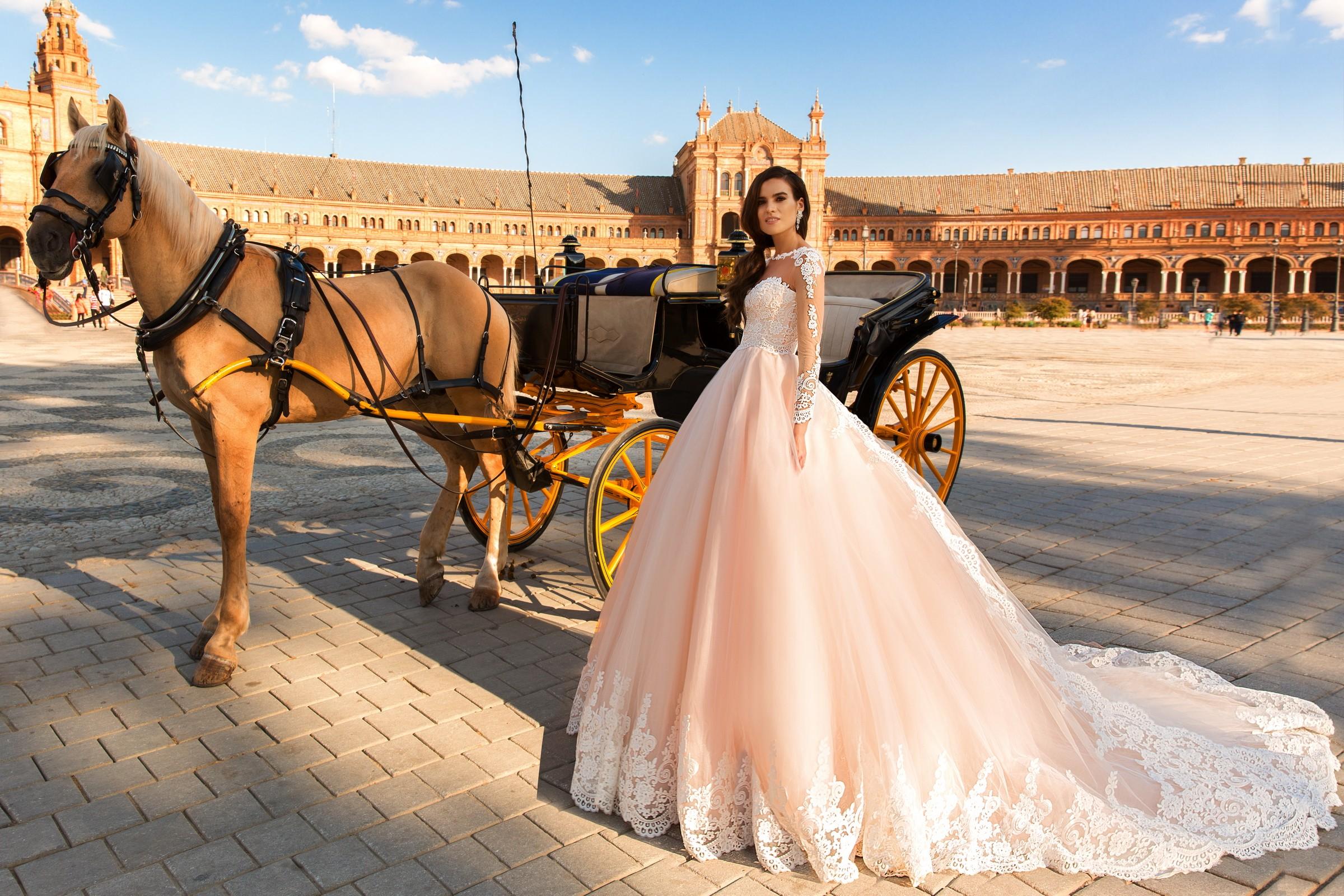 Итальянское свадебное платье розовое