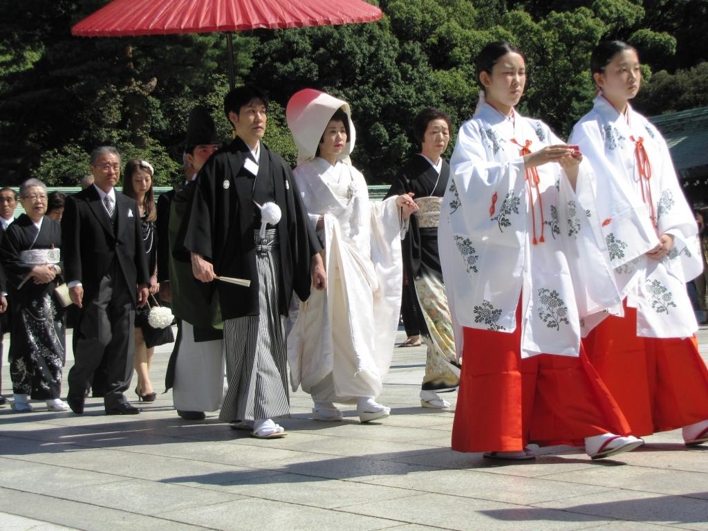 Традиционное японское свадебное платье